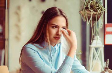 Fremdkörper im Auge: Erste Hilfe gegen Splitter & Co.