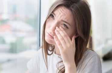 Brennende Augen: Mögliche Ursachen und was Sie dagegen tun können